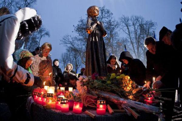 Соцопрос: украинцы считают, что голодомор устроил Сталин