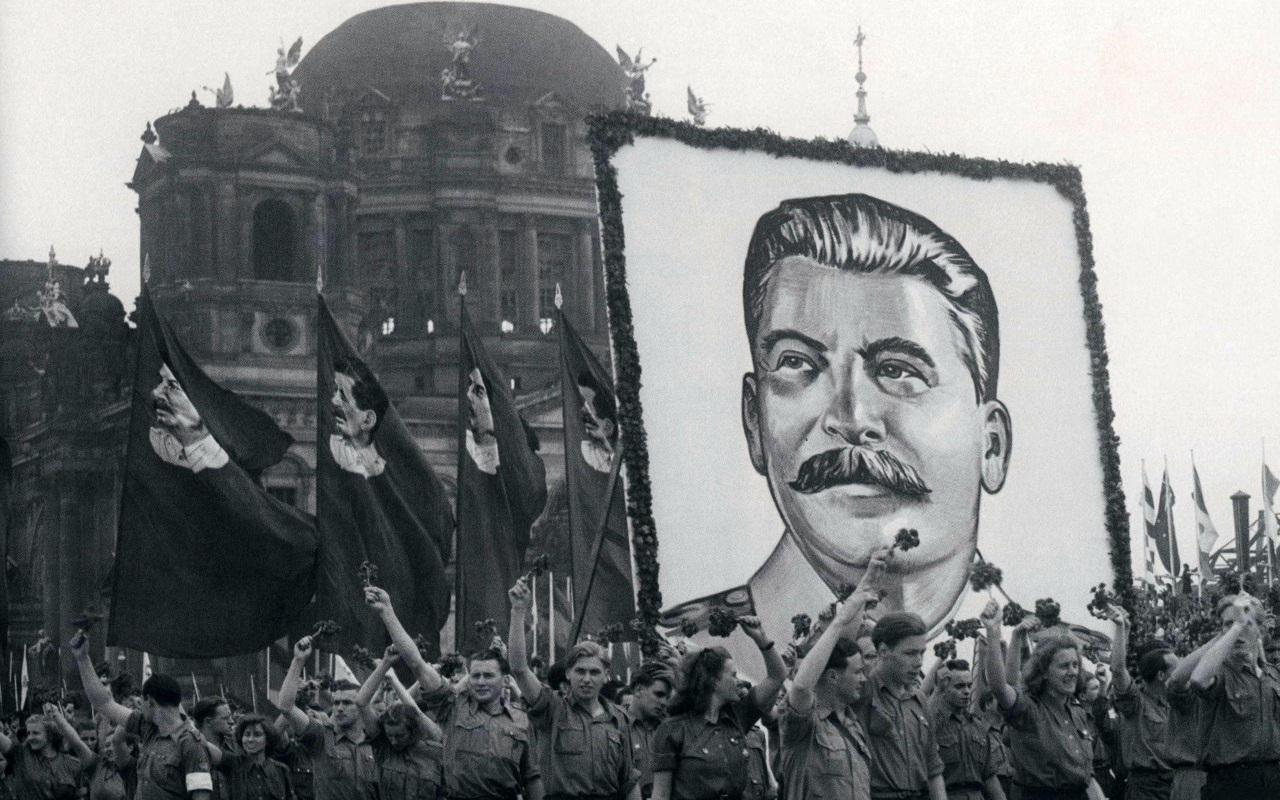 Правозащитники обеспокоены позитивным отношением к Сталину