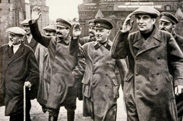 «Комиссар исчезает». Как фальсифицировали фотографии в СССР