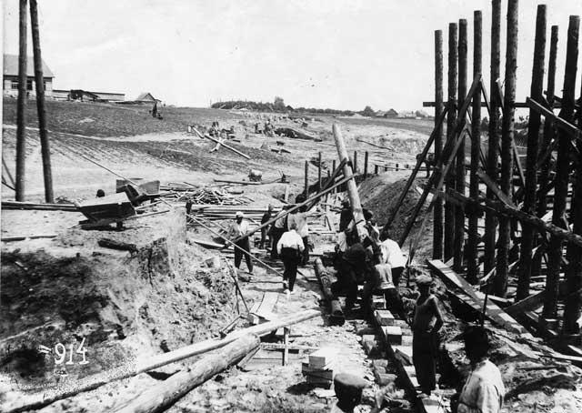 Как заключённые ГУЛАГа строили трассу Москва-Минск