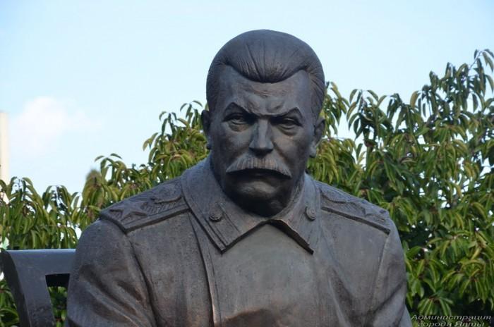 «Мемориал» призывает законодательно запретить восхваление Сталина