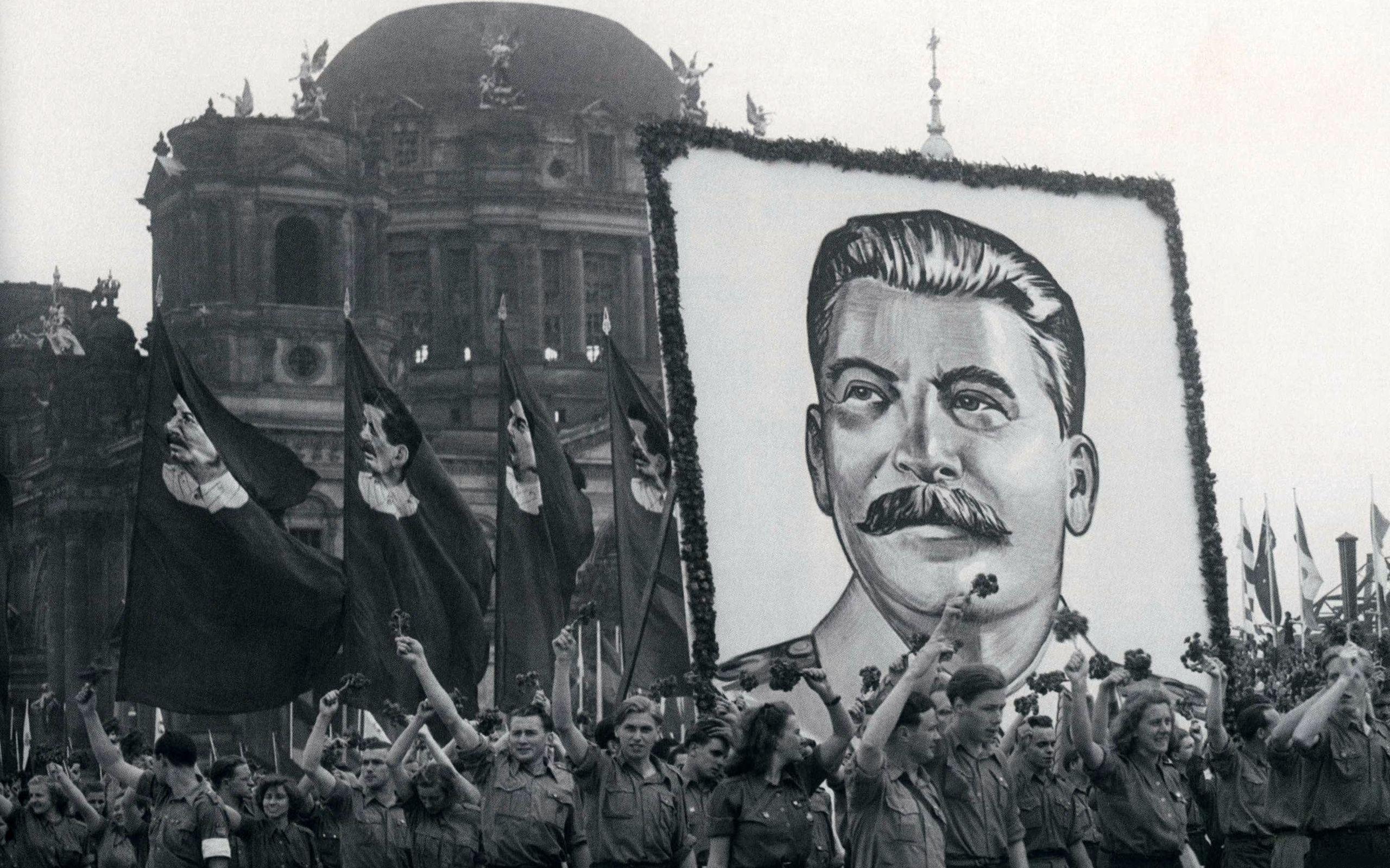 Сталин: исторический миф и социальная ответственность