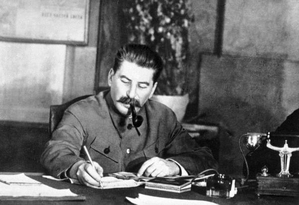 Почему у россиян нет общей точки зрения на репрессии Сталина