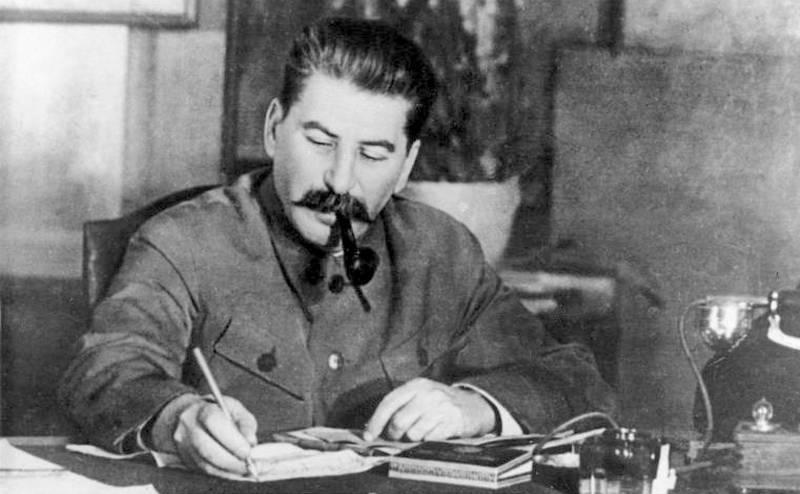 В ФСБ представили сборник секретных докладов Сталину