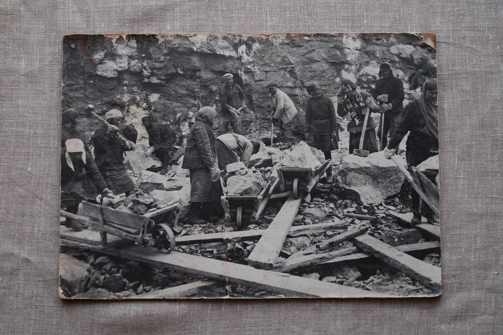 85 лет назад на строительстве Беломорканала погибли десятки тысяч человек. Теперь он никому не нужен
