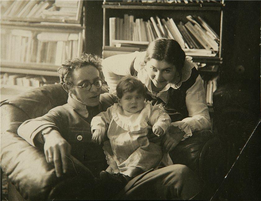 Дочь Карла Радека Софья Радек: «Мы сами позволили Сталину распоряжаться нашими судьбами»