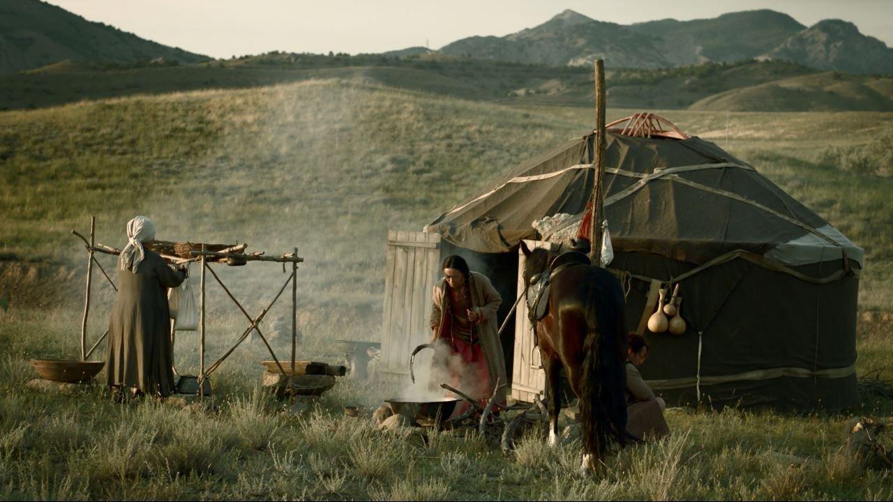 В крымской степи сняли фильм об Акмолинском лагере А.Л.Ж.И.Р.
