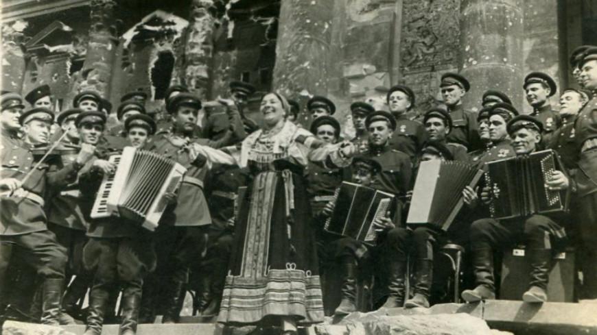 «Остаются актерами, пока живы»: как пели и ставили спектакли в ГУЛАГе