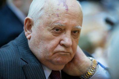 Горбачев предложил примирить россиян обсуждением темы репрессий