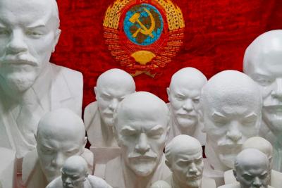 Кто и как создавал культ Ленина, а потом разрушал его