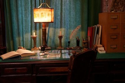 «Нам привезли 80 килограмм дранки из бараков, где жили заключенные»: в музее-квартире Льва Гумилева – об экспонатах новой выставки