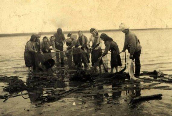Немцы-рыбаки Фото из архива Красноярского «Мемориала»